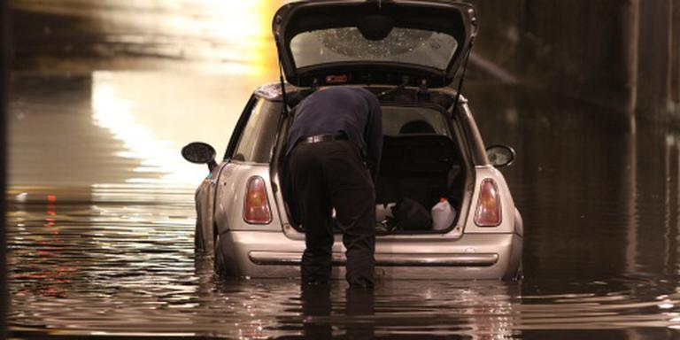 Veel water op snelwegen door regen
