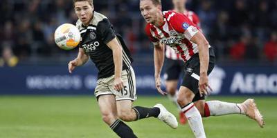 De Jong geniet van superieur PSV