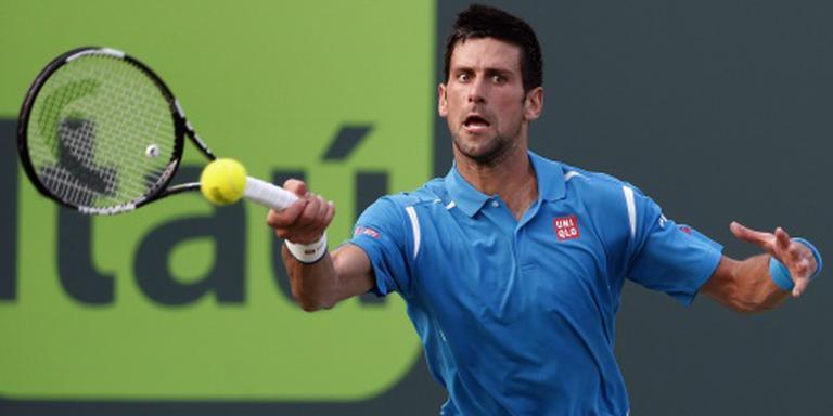 Djokovic dendert door in Miami