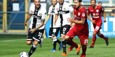 Parma wint dankzij lange solo Gervinho