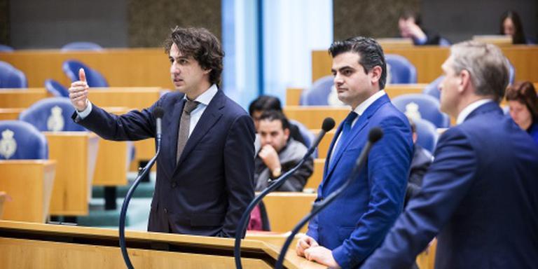 Oppositie valt Rutte aan op inperken instroom