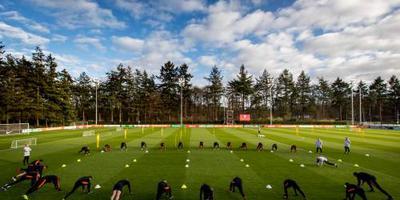 Oranje compenseert fans voor missen training