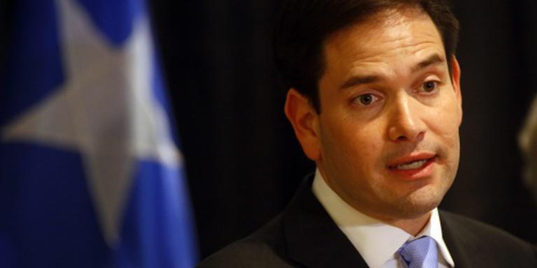 Rubio betreurt moddergooien naar Trump