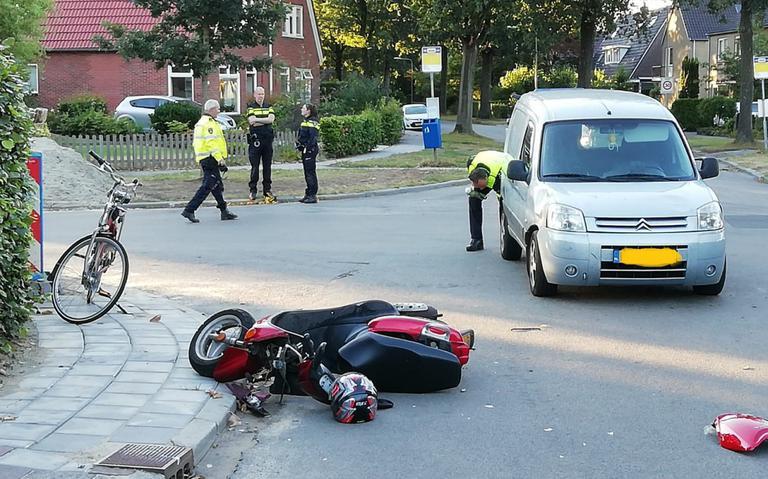 Aanrijding in Haren: scooterrijder naar ziekenhuis.