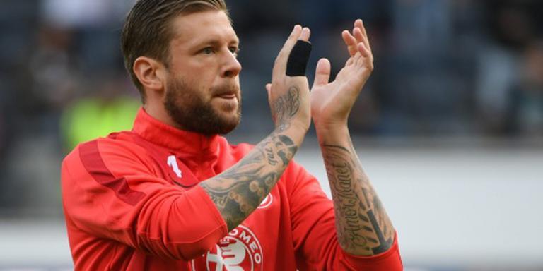 Eintracht Frankfurt beloont zieke Russ