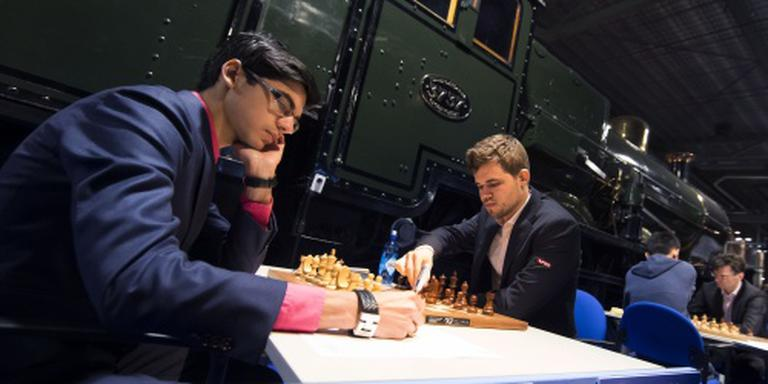 Giri behoudt status tegen Carlsen