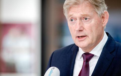 Minister Van Rijn: 'Eind deze maand voldoende mondkapjes voor tweede coronagolf'