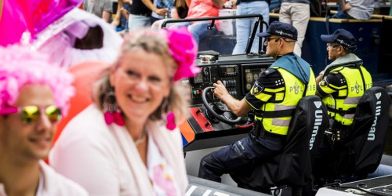 21e Canal Parade begint in ontspannen sfeer