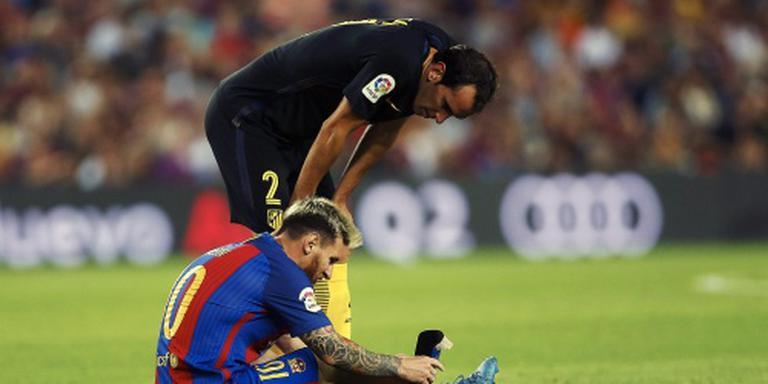 Messi met spierblessure aan de kant