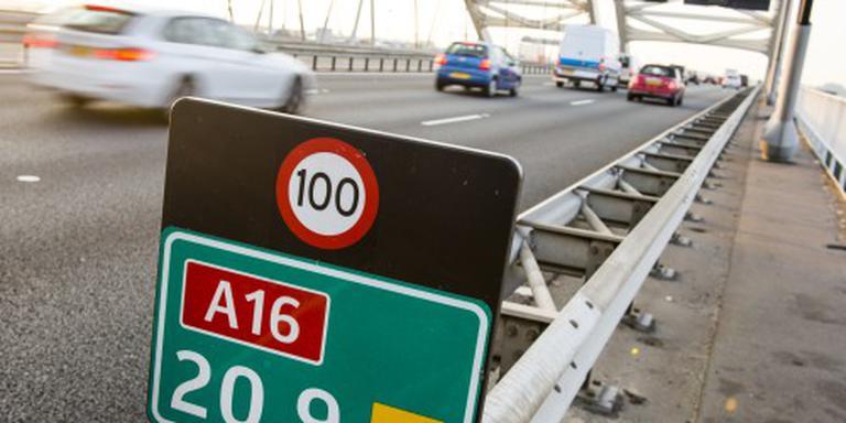 Vertraging voor verkeer door afsluiting A16