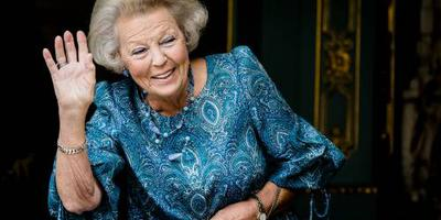 Beatrix bij concert 700 jaar oud genootschap
