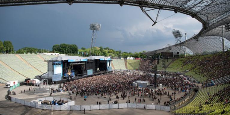 Onweer overschaduwt muziekfestival