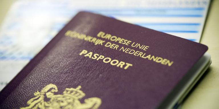 Eén loket voor nieuws paspoort of rijbewijs. FOTO ANP
