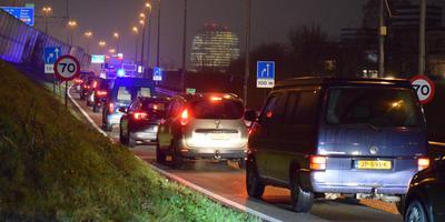 File op de A7 en alle toegangswegen door ongeval op Julianaplein. Foto: Rick ten Cate/ ProNews