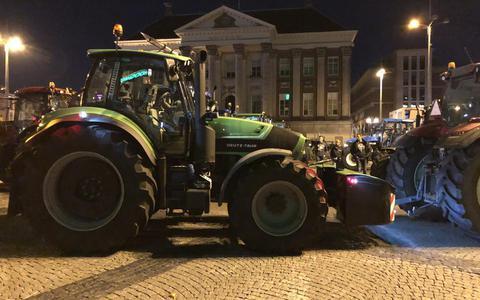 Boeren uit Groningen zinspelen op nieuwe acties: 'Hoe of wat? Nog geen idee. Maar de kans is heel groot dat we vanavond weer los gaan'
