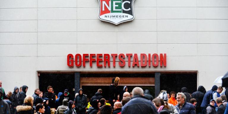NEC strikt Duitse middenvelder