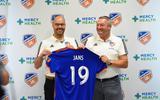 Amerikaanse MLS leert luchtige voetbaltrainer Ron Jans kennen: 'Ik ben geen Harry Potter'