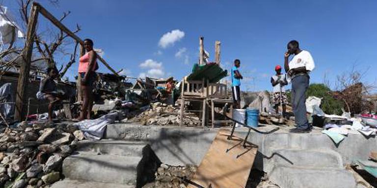 Marine levert eerst hulpgoederen af in Haïti