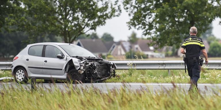 Botsing tussen auto en vrachtwagen op A7 bij Zuidbroek.