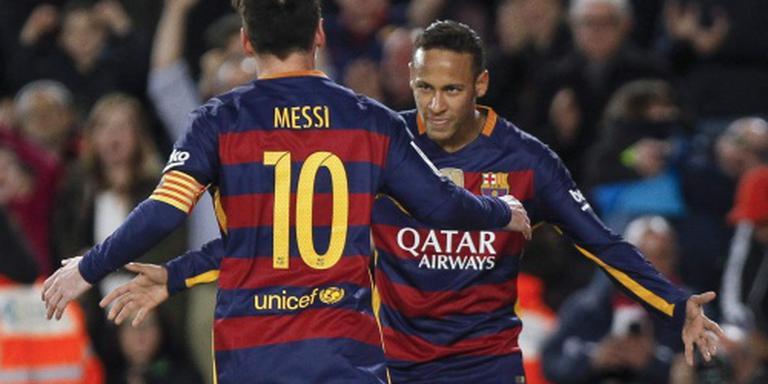 Barcelona sluit af in stijl