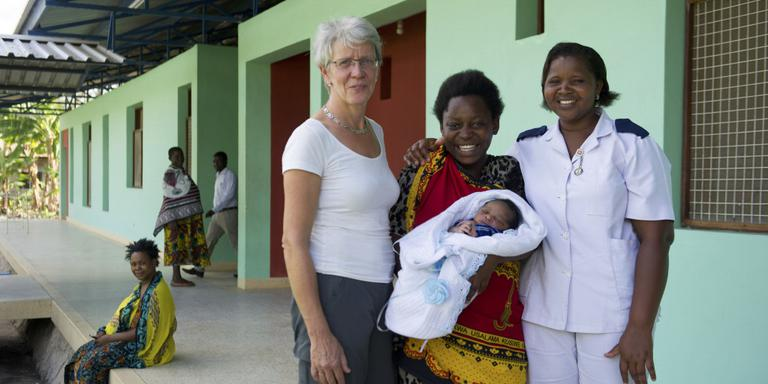 Groninger stichting opent kraamkliniek in Tanzania