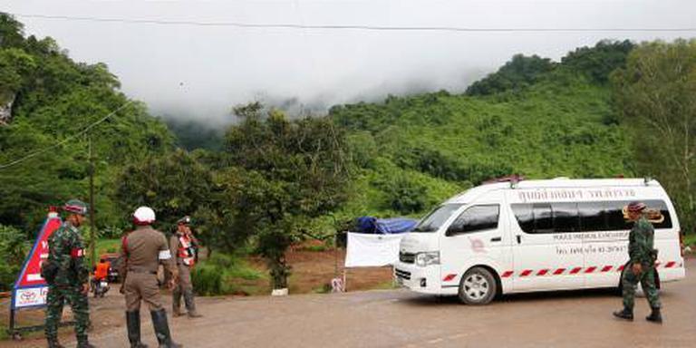 Negende jongen uit grot Thailand gehaald