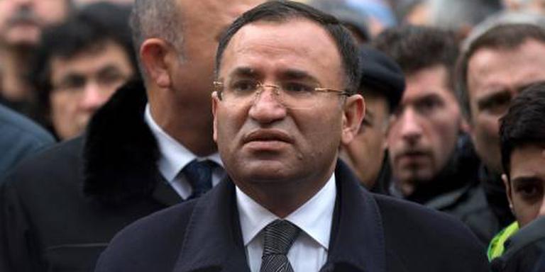 Turkse vicepremier tikt hof op de vingers