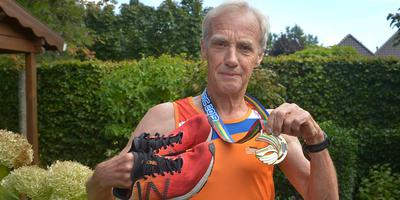 Egbert Zijlstra (700 was in Amsterdam de snelste in zijn leeftijdcategorie.