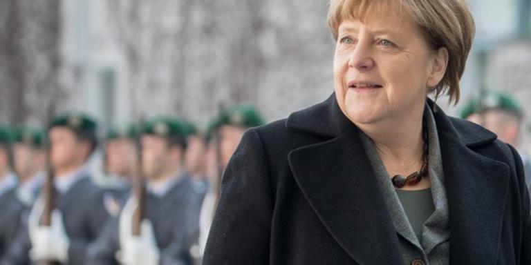 Merkel hekelt anti-immigratiepartij
