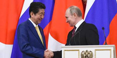 Vredesoverleg Poetin en Abe wordt voortgezet
