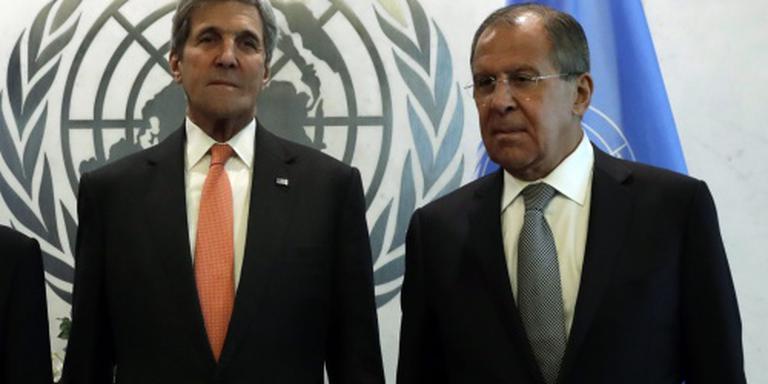 Lavrov spreekt Kerry, verdedigt aanval Aleppo