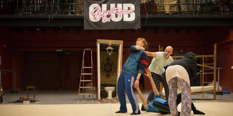 Club Guy & Roni repeteert sinds kort in De Studio in de Akkerstraat, nadat het de leegstaande Noorderkerk moest verlaten. Foto DvhN/Roelof van Dalen