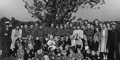 Kindertekeningen voor bevrijders terug naar Groningen