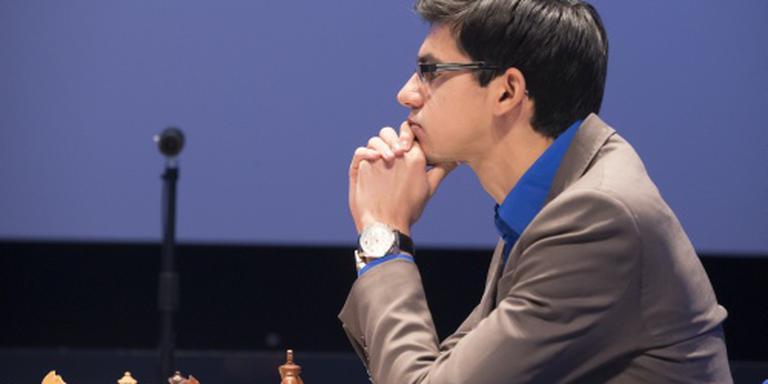Eerste zege Giri, tweede op rij voor Carlsen