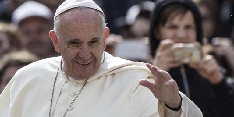 Paus spreekt Nederlanders toe in Rome