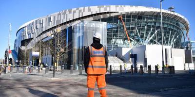 Talenten van Spurs wijden nieuw stadion in
