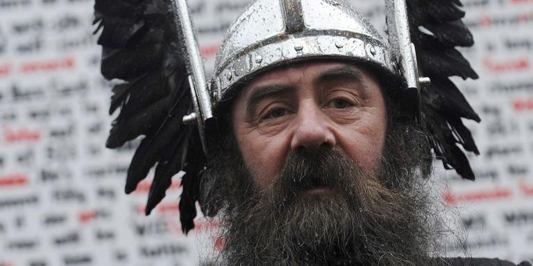 Een deelnemer poseert als Viking. FOTO ANDY BUCHANAN