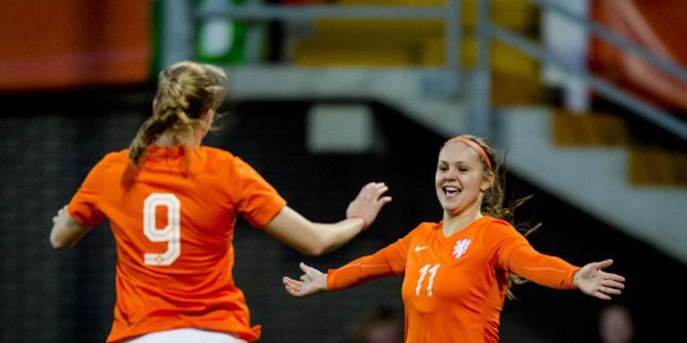 Voetbalsters Oranje verslaan Denemarken