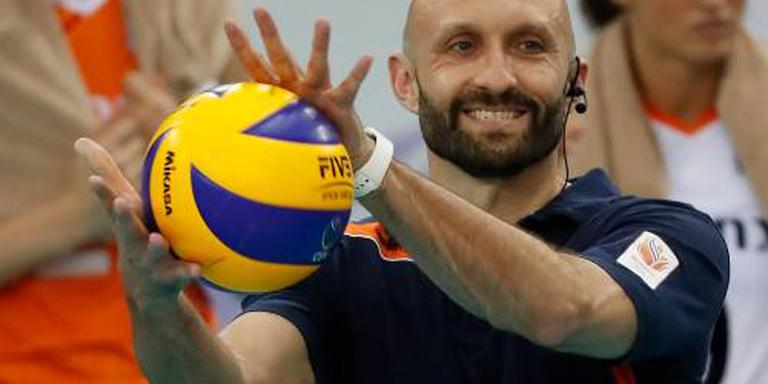 Goede start volleybalsters in eigen land