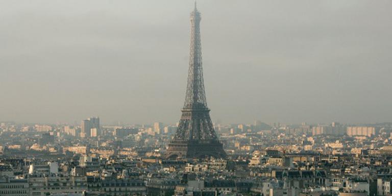 Betogingen houden Eiffeltoren gesloten