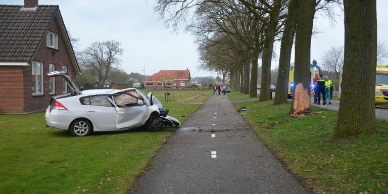 Twee gewonden bij auto-ongeluk in Sellingen.