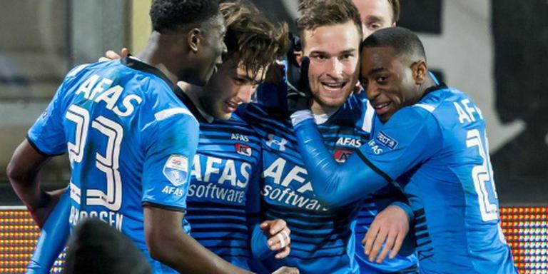 Janssen leidt AZ naar zege in Tilburg