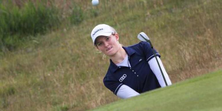 Golfster Van Dam duikelt naar beneden