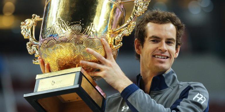 Murray kruipt naar Djokovic toe