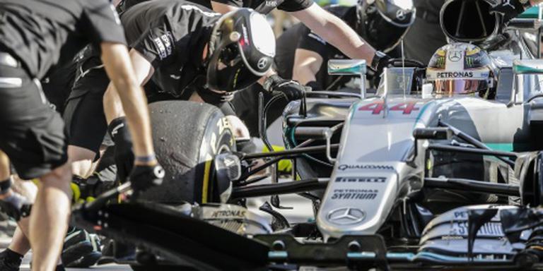 Hamilton pakt pole in Bahrein