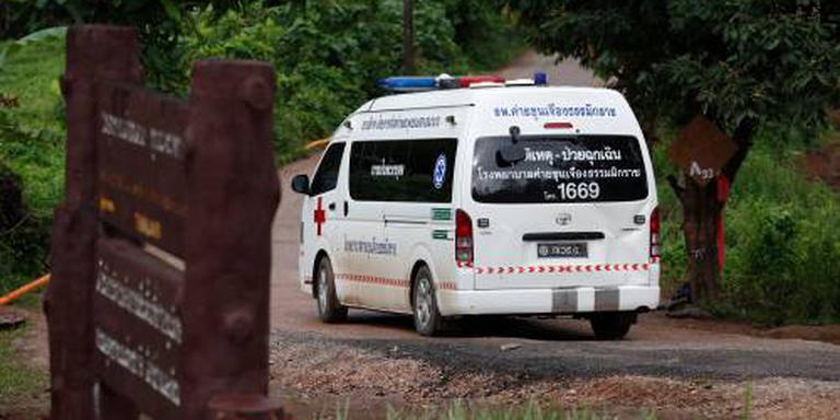 'Vijfde jongen uit grot gehaald'