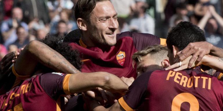 Clubicoon Totti verlengt contract bij Roma