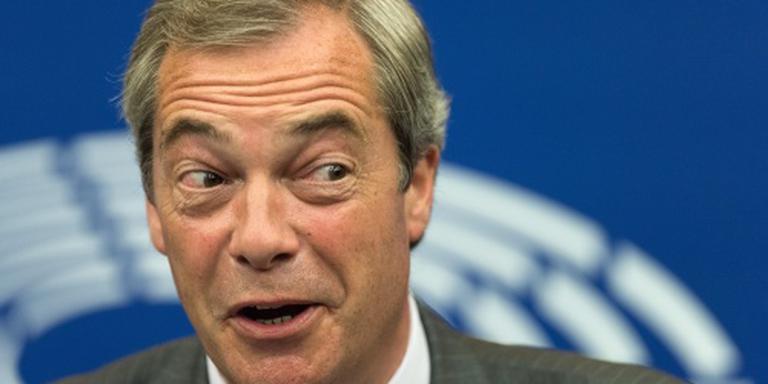 Farage weer even terug bij UKIP