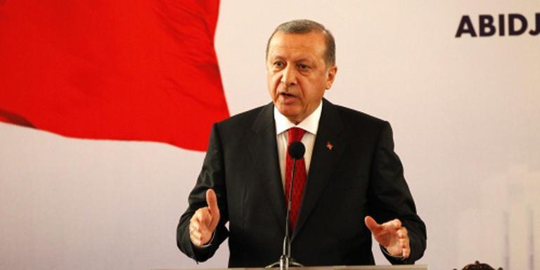 Erdogan gebruikt spierballentaal naar Koerden