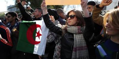 Spontane protesten tegen regime Algerije